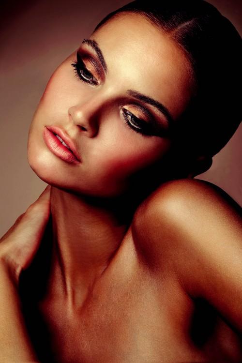 Phụ nữ khắp thế giới nói gì về làm đẹp?