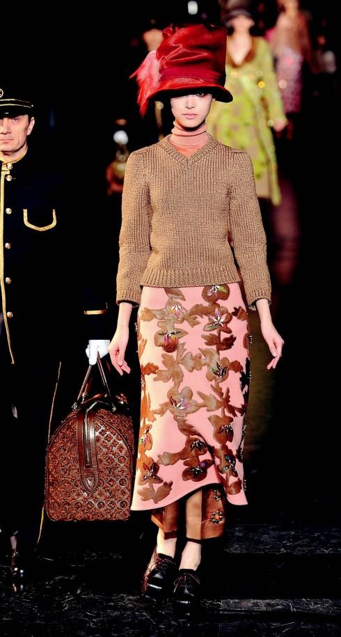 6. Louis Vuitton<br/>Marc Jacobs phải dùng đến cả một chuyến tàu hỏa du lịch cổ để thể hiện phong cách