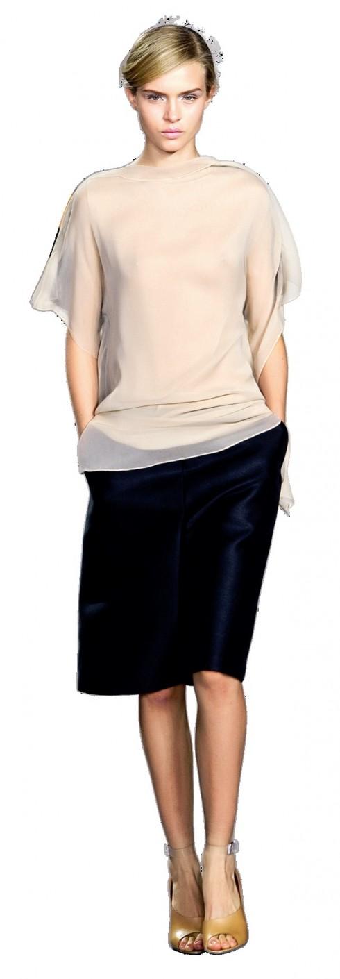 Short rộng<br/>Quần short và váy ngắn là trang phục không thể thiếu trong mùa Hè. Năm 2012, chúng sẽ mềm mại hơn và có ống rộng hơn. Thêm vào đó, những chiếc quần short còn được cách điệu với nhiều kiểu dáng, đem đến vẻ khỏe khoắn nhưng gợi cảm cho các cô gái.