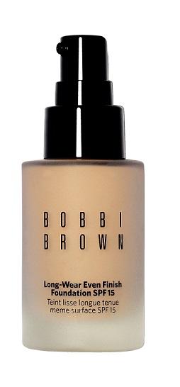 Hạng mục phấn nền - Ngôi sao của năm: Bobbi Brown Long-wear even Finish Foundation SPF15