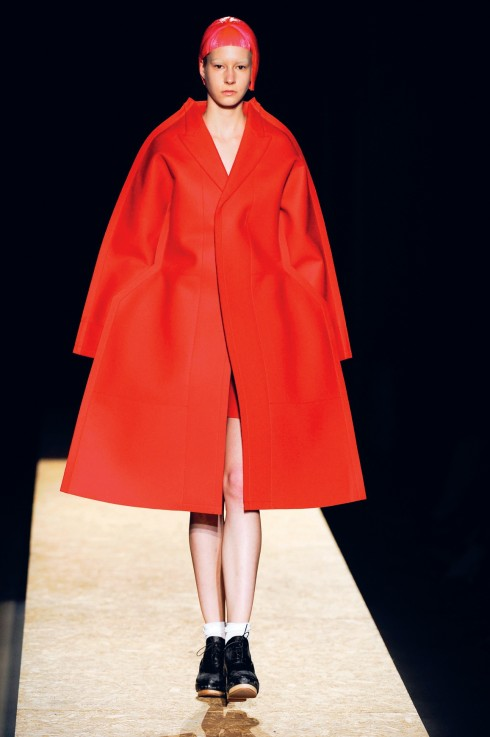 Comme des Garcons<br/>Thương hiệu tiên phong này dùng chất liệu felt cứng cáp (một loại vải không dệt mà được