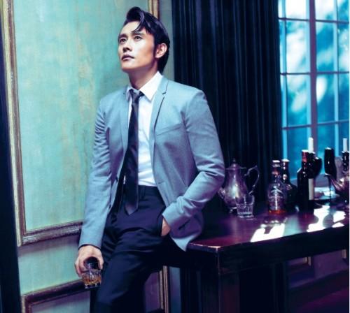 Diễn viên Lee Byung Hun trong phim Red 2