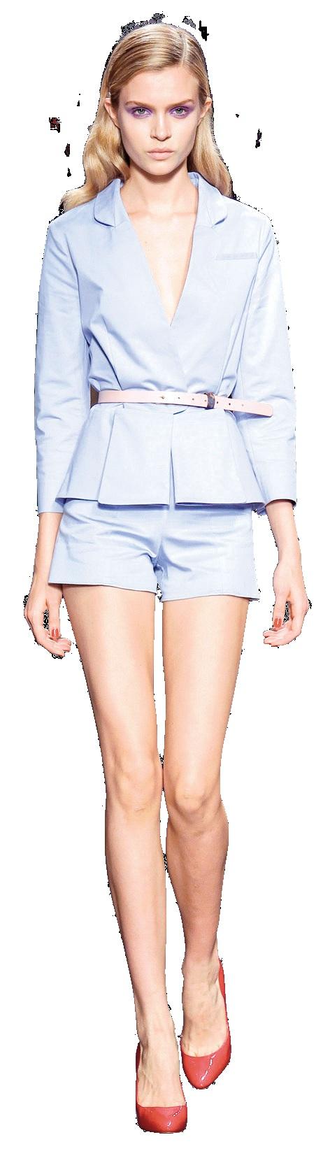 Những bộ vest mùa hè<br/> Những bộ vest phá cách tạo nên vẻ ngoài thông minh, năng động cho người mặc. Được may từ nhiều màu sắc với chất liệu mỏng, mềm, những bộ vest mùa này còn có họa tiết in lạ mắt cùng đường cắt và ren trang trí đáng yêu. Nếu không chọn cách kết hợp với cravat và sơ mi như gợi ý của các nhà thiết kế, bạn hoàn toàn có thể phối với những thứ khác trong tủ quần áo của mình để tạo ra sự khác biệt.