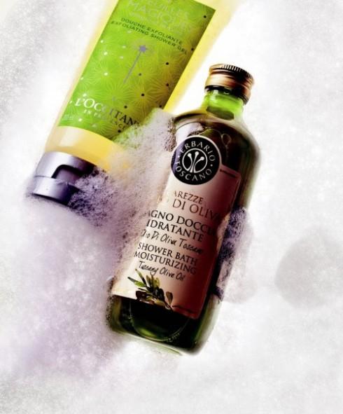 <b>1. Innovative Star</b><br/><b>Magical Leaves Exfoliating Shower Gel – L'Occitane:</b> <br/>Sữa tắm với những mảnh vỏ hạt cực nhỏ của quả phỉ ở dạng nước rồi nhanh chóng chuyển thành dạng bọt nhẹ nhàng tẩy tế bào chết, giúp làm sạch và lưu hương thơm dễ chịu trên da (450.000 VNĐ). <br/><b>Shower Bath Moisturizing – Erbario Toscano:</b> <br/>Sữa tắm nuôi dưỡng da chứa dầu ô-liu tự nhiên từ vùng Tuscany nổi tiếng ở Ý với hương thơm hơi cay nồng, cho tác dụng dưỡng ẩm và làm lành da (495.000 VNĐ).