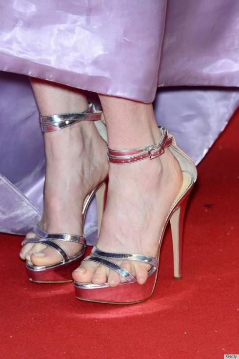 1. Chú ý ngón chân