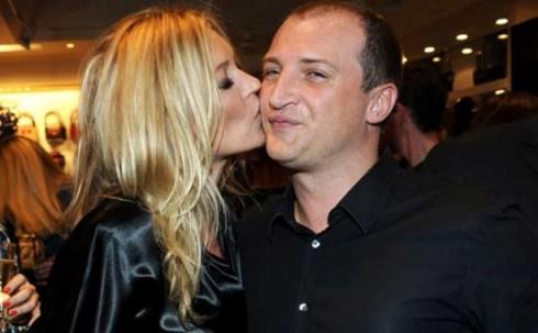 Nick, em trai Kate Moss. Khởi nghiệp cùng Kate trong một chiến dịch quảng cáo Versace. Hiện làm việc cho trung tâm chăm sóc khách hàng của Levi's.