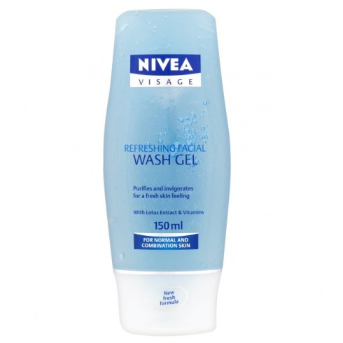 nivea-refreshing-facial-wash-gel-4