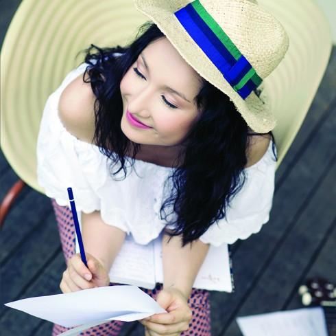 """... cùng Anna Trương đã tạo nên một """"Vì có anh"""" khá ấn tượng."""