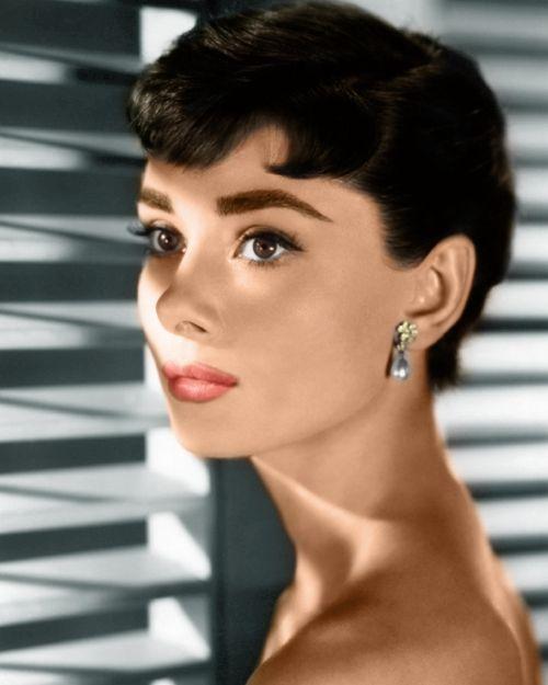 Audrey Hepburn - người đi trước xu hướng?