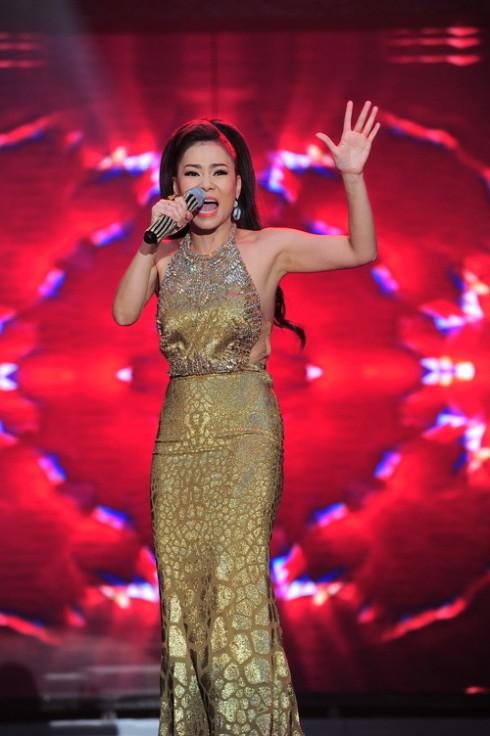 Trang phục Thu Minh chọn mặc để mở màn liveshow