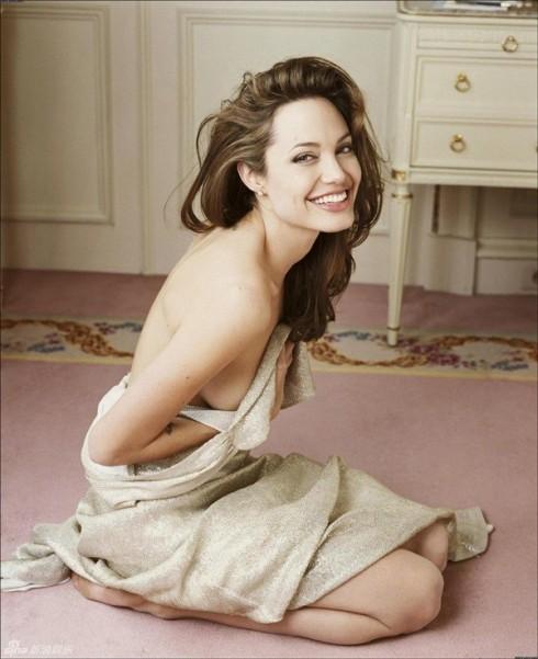 200813ellediemtinAngelina Jolie