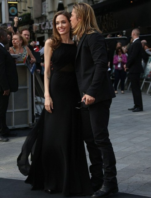 Với Brad Pitt, Angelina Jolie là người hùng.