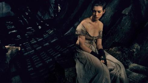 Anne Hathaway giảm 11 kg khi vào vai Fantine.
