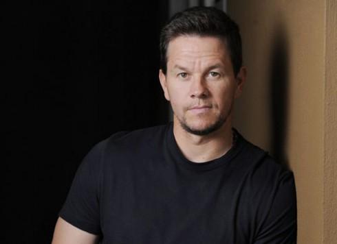 Mark Wahlberg (52 triệu đô)<br/>Bộ phim tình cảm nhẹ nhàng Ted bất ngờ trở thành hit năm 2012. Bộ phim đã kiếm được 550 triệu đô doanh thu trong khi số vốn bỏ ra chỉ là 50 triệu đô và thành công của bộ phim chính là tác nhân giúp Mark Wahlberg góp mặt trong danh sách này. Không chỉ gây ấn tượng với Ted, Wahlberg còn được giới phê bình đánh giá cao trong bộ phim The Fighter. Wahlberg đã nhận được 2 đề cử Oscar cho vai diễn trong bộ phim này.