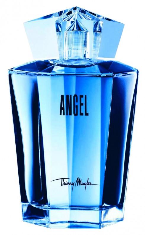 Thierry Mugler – Angel: <br/>Là mùi hương cực khó dùng bởi độ nồng, độ sắc. Những nốt trầm hoắc hương và Chocolate tưởng như sẽ ngọt dại nhưng thực chất lại khô rang và chồng lên cái ngọt sâu thẳm bất tận. Bởi phức hương lạ kỳ này mà Angel sẽ không nương tay với người dùng dễ dãi. Chỉ cần nàng không tự tin với bản thân mình thì dù ở bất kỳ độ tuổi nào, nàng với Angel cũng là cuộc cưỡng hôn khập khễnh. Nhưng Angel sẽ hiển hiện thật lạ lùng ở cô gái đôi mươi, quyến rũ ở người phụ nữ ngoài 30 và đầy kiểm soát ngay cả khi cuộc đời đã đi qua vạch giữa.