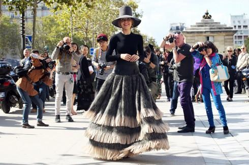 """Một """"cô công"""" tại Tuần lễ Thời trang Paris"""