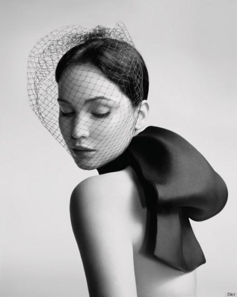 Jennifer Lawrence trong quảng cáo Dior mùa xuân 2013.