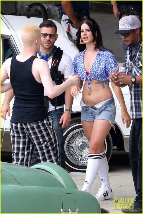 Hình ảnh mới nhất của Lana Del Rey khi chuẩn bị bị MV mới.