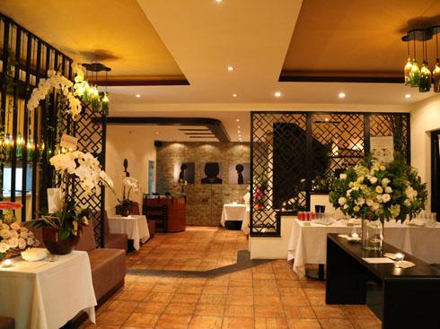 Không gian sang trọng và ấm cúng phía trong nhà hàng Dine Viva