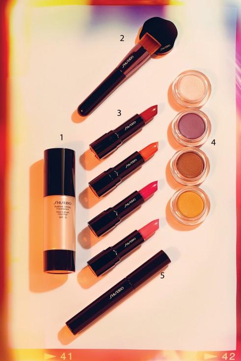1.Kem nền Radiant Lifting 1.105.000 VNĐ  <br/>2.Cọ đánh nền 550.000 VNĐ  <br/>3.Son môi Makeup Perfect Rouge 590.000 VNĐ  <br/>4.Màu mắt dạng kem Shimmering Cream Eye Color 550.000 VNĐ  <br/>5.Mascara Make-up Perfect Mascara Full Definition 650.000 VNĐ<br/><b>SHISEIDO</b> <br/>Dòng Perfect Rouge Lipstick của hãng này là một trong những dòng son môi giàu ẩm tốt nhất hiện nay. Mascara, kem nền và đặc biệt là màu mắt dạng kem cũng là các dấu ấn của người khổng lồ về mỹ phẩm đến từ Nhật này.