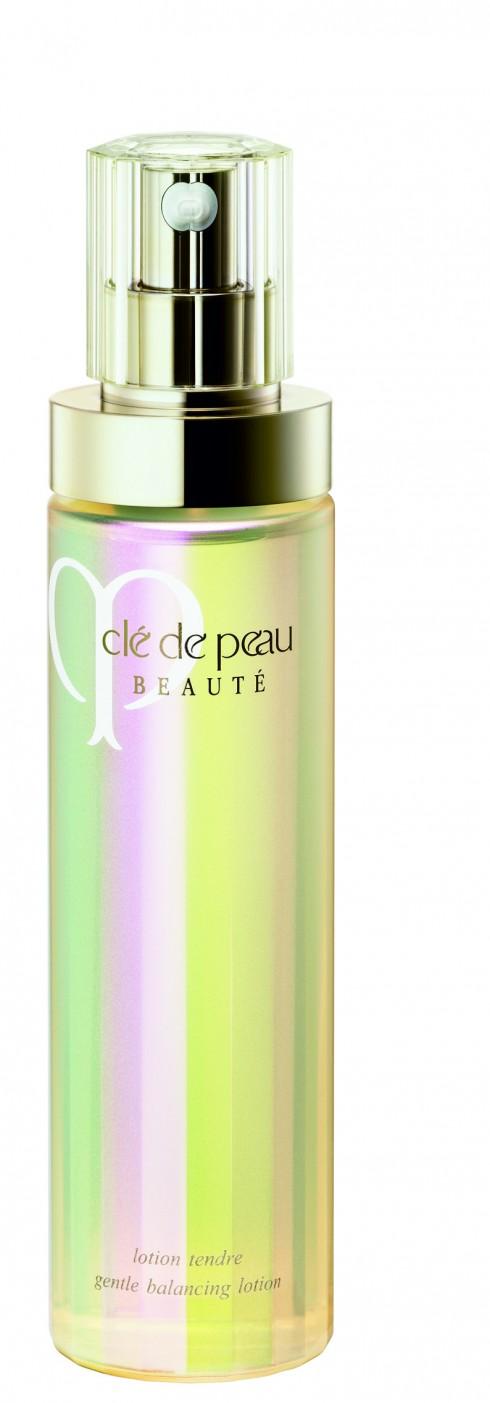 Bước 2 - Làm mềm: Nước lotion giúp làm mềm, cần bằng độ ẩm và cải thiện độ sáng cho da.<br/>Nước lotion Clé De Peau Beauté 2.230.000 VNĐ