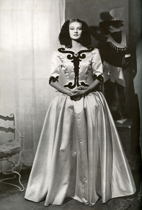 balenciaga infanta dress 1939_ inspired by portrait of Infanta Maria-Margarita, daughter of Spanish king Felipe IV