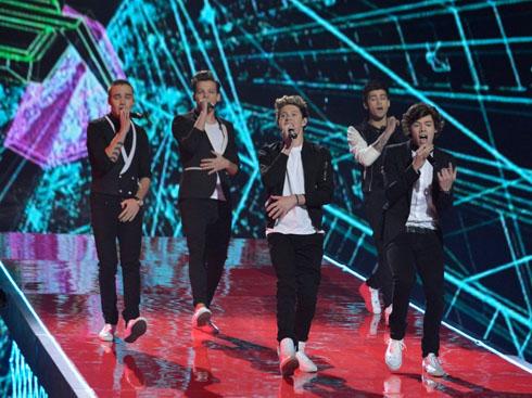One Direction là nhóm nhạc được hình thành từ cuộc thi The X Factor