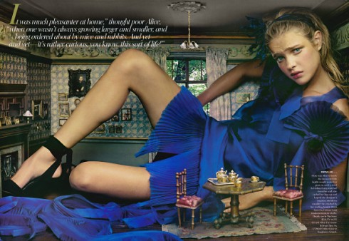 alice-in-wonderland-by-annie-leibovitz-1