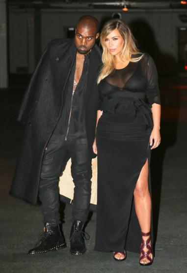 Cặp đôi Kanye West và Kim Kardashian là khách mời hàng ghế đầu tại show diễn này.