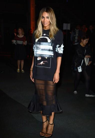 Ca sĩ Ciara cũng là fan hâm mộ của phong cách Givenchy.