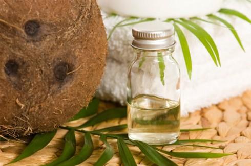 Dưỡng tóc với dầu dừa