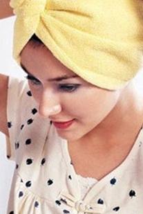 ELLE Daily Tips: Dưỡng tóc với dầu dừa