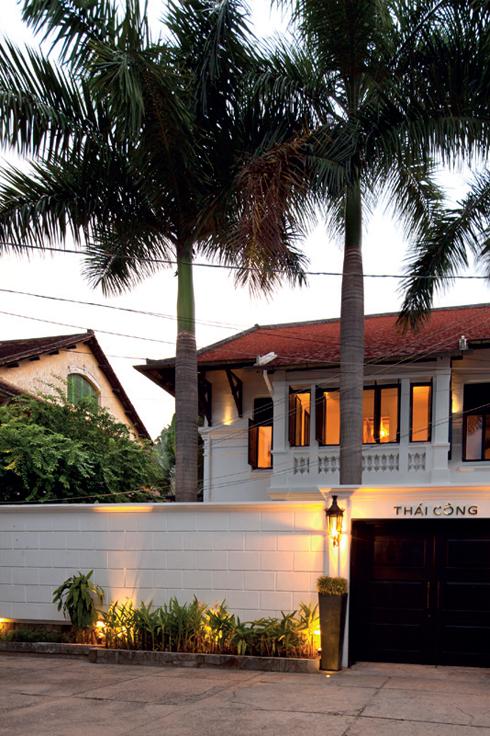 Sài Gòn<br/>Dưới bàn tay phù phép của Quách Thái Công, ngôi nhà cổ giờ đã trở nên có hồn hơn, sống động và cá tính hơn trong câu chuyện tự kể của mình.