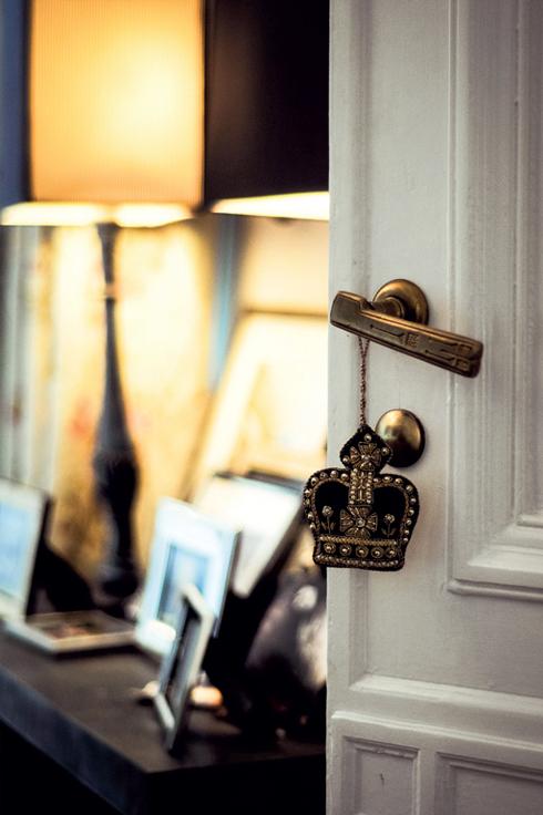Berlin <br/>Frank Stüve, một nghệ nhân làm hoa, đã tạo ra một không gian thanh lịch hiếm thấy. Đồ nội thất của Minotti, vật dụng trang trí cổ xưa và hàng loạt những chi tiết duy mỹ để lại ấn tượng khó quên.