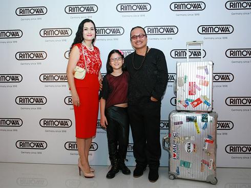 Gia đình nghệ sĩ Trần Mạnh Tuấn là khách hàng thân thiết của Rimowa