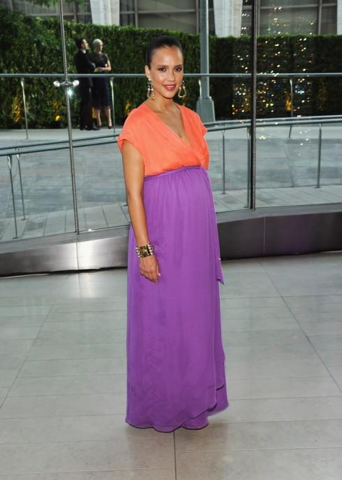 Tháng 6/2011 - cô xuất hiện trong buổi lễ CFDA Fashion Awards tại New York với chiếc đầm phối màu nổi bật của Diane von Furstenberg và trang sức Fallon.