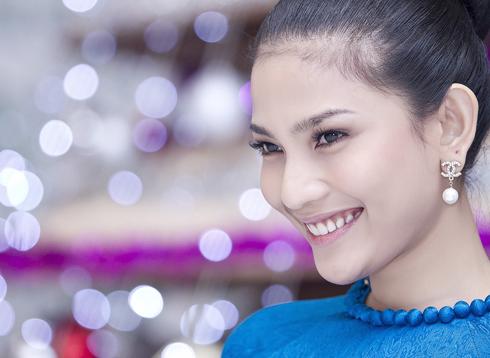 Người đẹp Trương Thị May đại diện Việt Nam thi Hoa hậu Hoàn vũ
