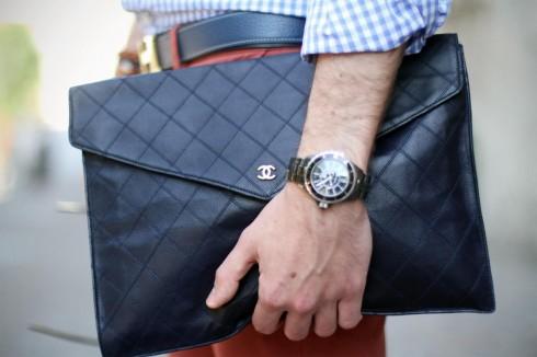 Túi đựng tài liệu dạng bao thư của CHANEL (nguồn: The Three F)