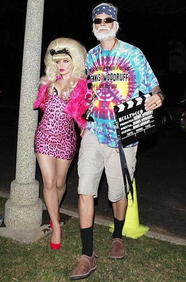 Fergie với tạo hình sexy của Angelyne và Josh Duhamel hóa thành một đạo diễn phim.