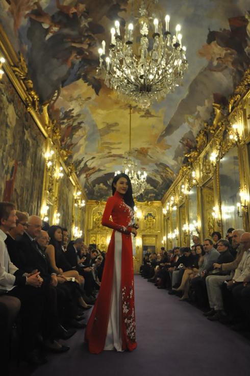 Thời trang Việt trong những ngày tại Milan