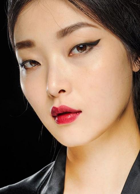 Và mắt mèo trên sàn catwalk Thu Đông 2013: Dolce & Gabbana