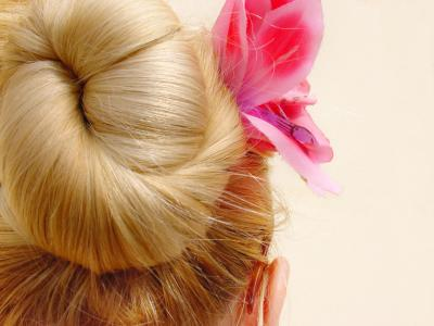 hairstyles_easy_updo_classic_ballerina_bun
