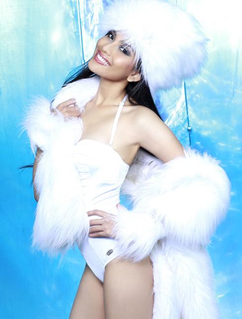 Trương Thị May trong bộ hình Ice Princess