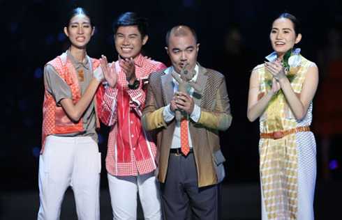 Thí sinh Quang Nhật trong Fashion Star liveshow 3
