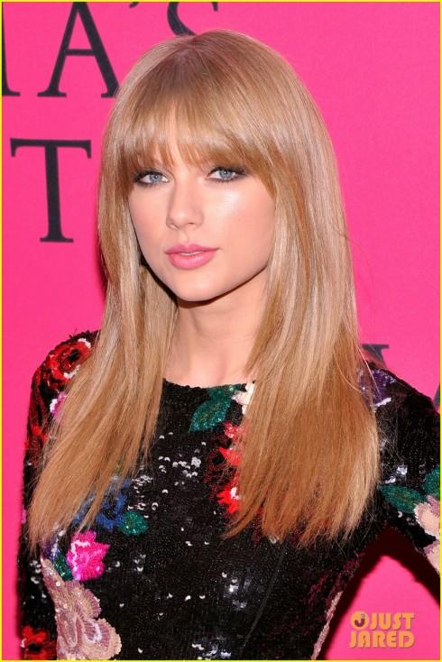 Nữ ca sĩ Taylor Swift là ca sĩ khách mời của show diễn năm nay