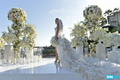 Joanna Krupa trong bộ váy cưới của mình