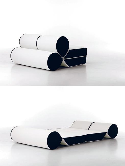 Một mẫu giường/ghế tích hợp khác của nhà thiết kế Cerruti Baleri cho phép người sử dụng biến phòng khách thành phòng ngủ. Với ba miếng đệm được thiết kế hình dáng hiện đại, bạn có thể có hai chiếc ghế tựa và một chiếc sofa đặt sàn. Khi cần giường, bạn chỉ cần ráp chúng lại với nhau và có ngay một chiếc giường rất thanh lịch. Mẫu thiết kế này còn có ưu điểm là rất dễ di chuyển, bạn không cần lo lắng việc chuyển giường vào phòng qua một khung cửa nhỏ bằng cách nào.