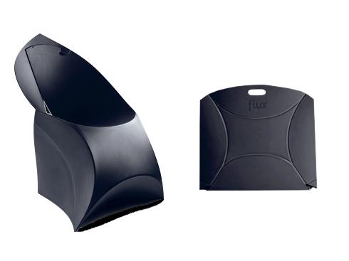 Mẫu ghế của thương hiệu Flux là lựa chọn đặc biệt thú vị cho những ai thích gọn nhẹ. Chiếc ghế làm bằng chất liệu bền có thể uốn cong dễ dàng. Khi cần di chuyển hay xếp gọn, đó chỉ là một miếng nhựa phẳng gọn nhẹ, có quai xách. Khi cần ghế, bạn chỉ cần làm vài thao tác dỡ, cài theo hướng dẫn là sẽ có chiếc ghế cực kỳ thoải mái và kiểu dáng hiện đại.