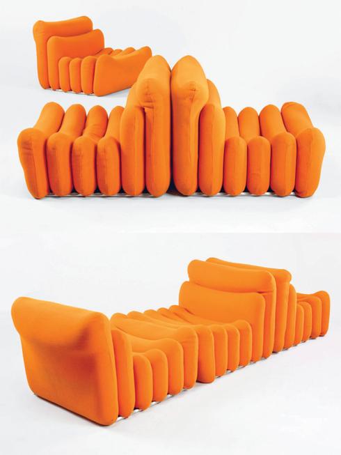 Nhà thiết kế huyền thoại Joe Colombo với các mẫu thiết kế sang trọng đã quan tâm tới vấn đề không gian ngay từ những năm 1960. Mẫu ghế trong bộ sưu tập Additional Living System này của ông cho phép người dùng sử dụng căn phòng cho rất nhiều mục đích. Kiểu dáng của chiếc ghế này cũng độc đáo, có một không hai, biến nhà bạn thành không gian nghệ thuật.