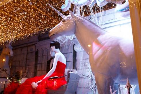 Printemps với sắc đỏ của Dior